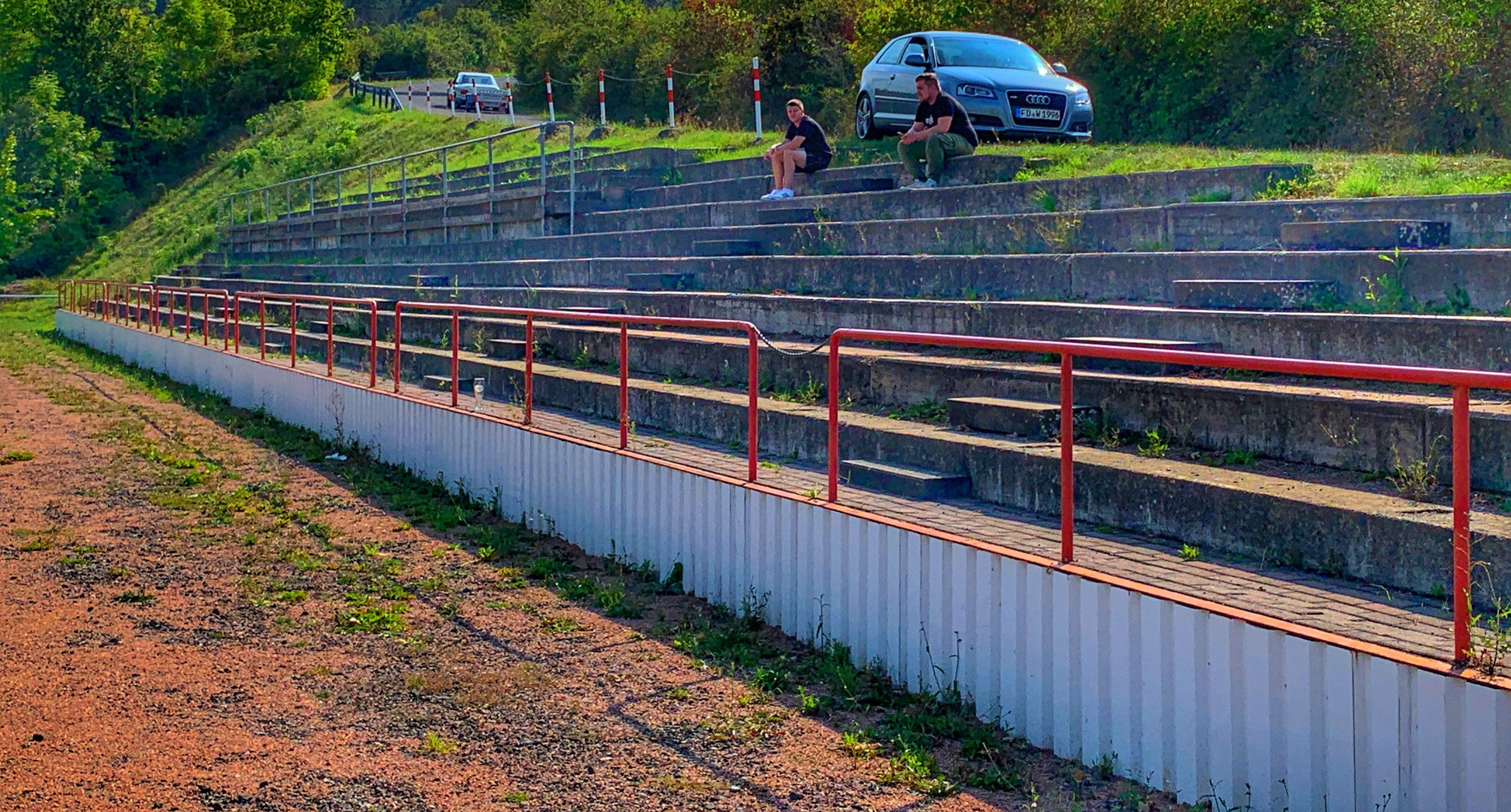 Ufhausen – Sportplatz Steiger